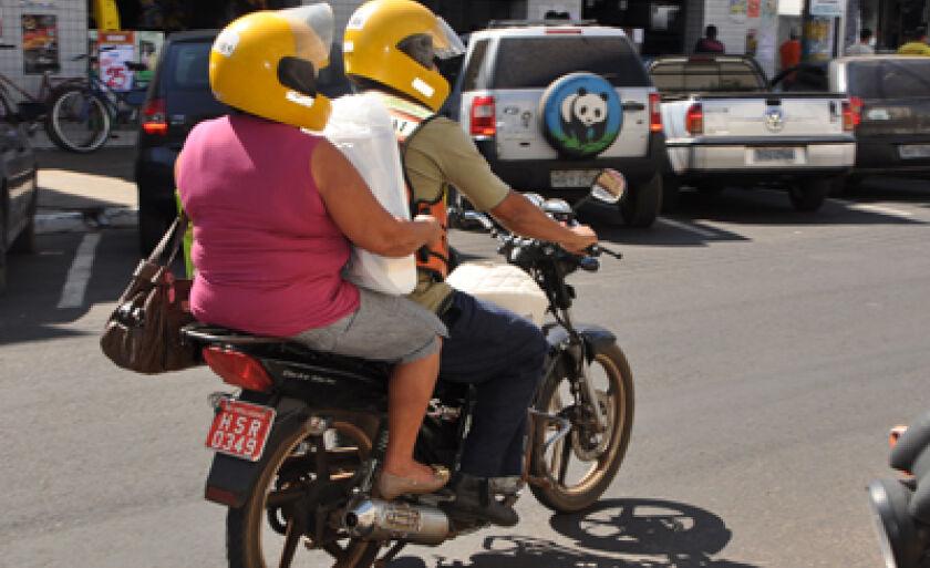 Mototaxistas e motoboys precisam se adequar