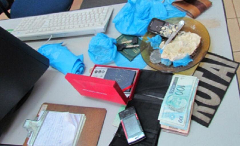 Droga foi apreendida e encaminhada à Delegacia de Polícia Civil
