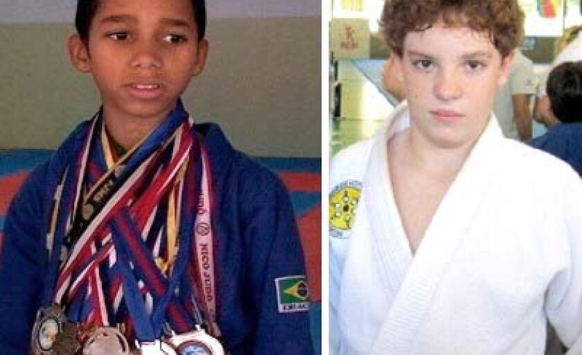 Vitor Hugo (esq.) e Rafael foram derrotados na primeira luta