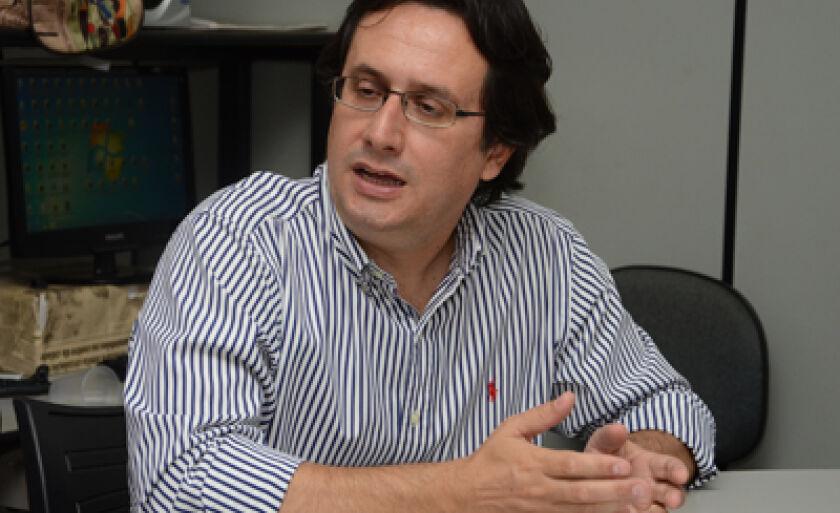 Marco Túlio Murano Garcia visitou a redação do Jornal do Povo