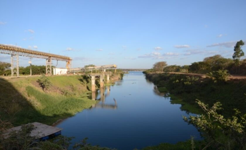 Produtos destinados à exportação são escoados por meio do terminal da companhia no rio Paraná