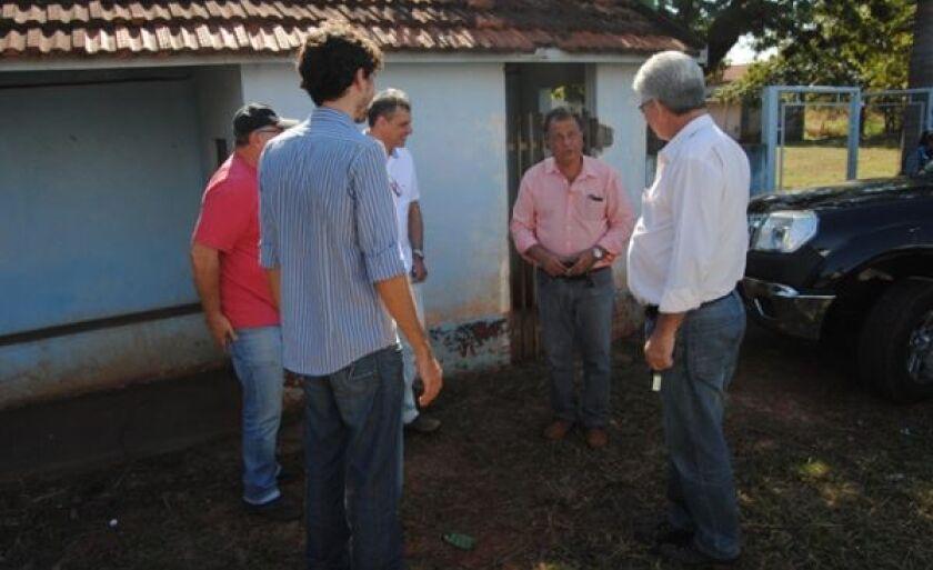 Visita da comissão da UFMS na àrea onde será construido o empreendimento