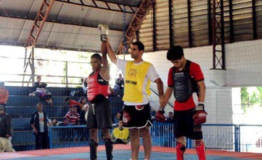 Três-lagoense é declarado vencedor de uma das lutas em Campo Grande