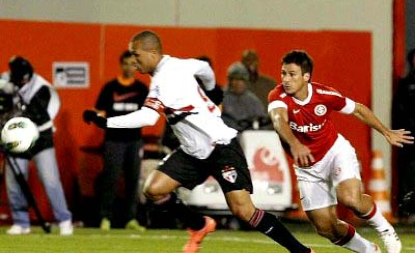 No primeiro turno, o Inter venceu o São Paulo no Beira-Rio por 1 a 0