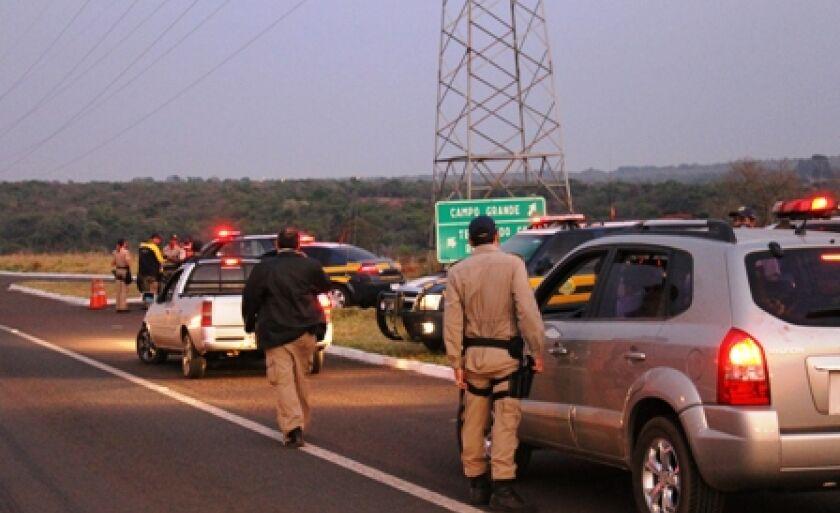 PRF surpreende condutores embriagados em operação na BR-262 a 12 km da Capital