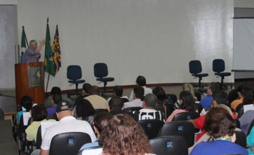 Professores da rede estadual participaram de evento ligado ao tema