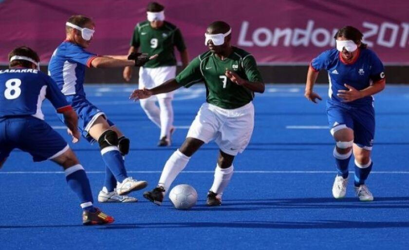 Cegos participam das paralimpíadas, surdos têm uma competição específica
