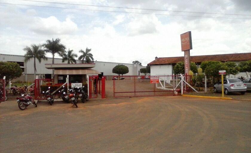 Indústria de colchões foi assaltada na manhã desta sexta-feira