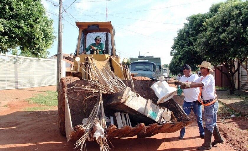Objetivo da campanha é contribuir com a limpeza da cidade, mas principalmente reduzir os casos de dengue