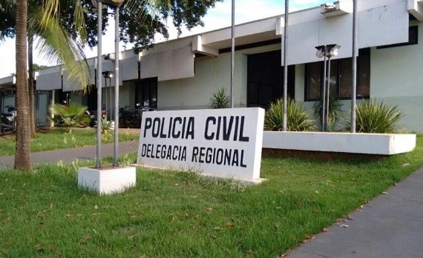 Jovem que teria sido agredida com uma mesa registrou boletim de ocorrência na Delegacia de Polícia Civil
