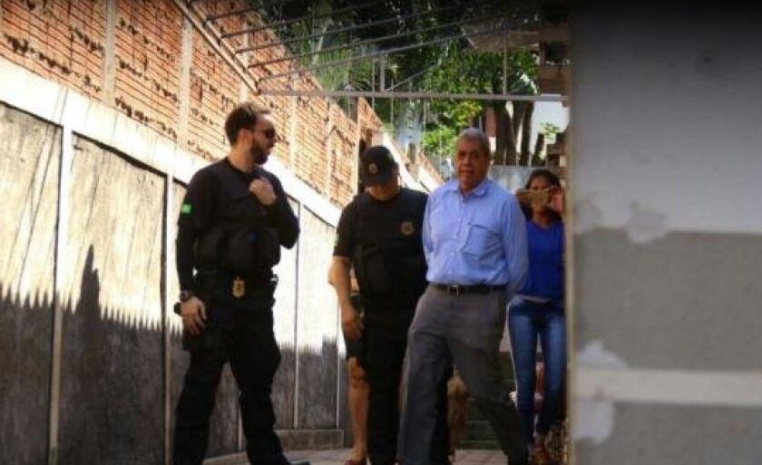 Ex-governador do Estado, André Puccinelli, ao sair do Patronato Penitenciário.