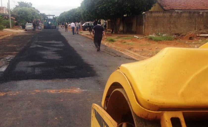 Obras de asfalto estão em andamento em diversos bairros de Três Lagoas