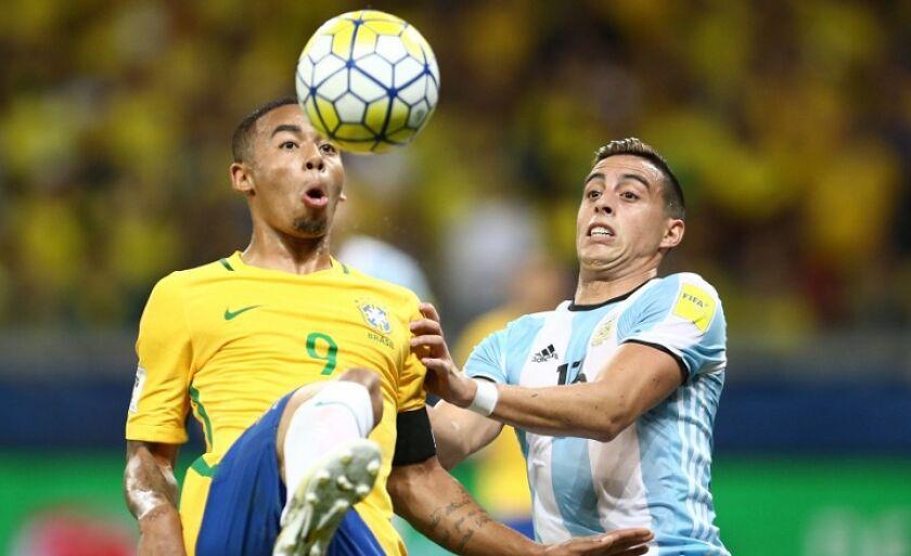Derrota para a Argentina é a primeira do técnico Tite no comando da seleção brasileira