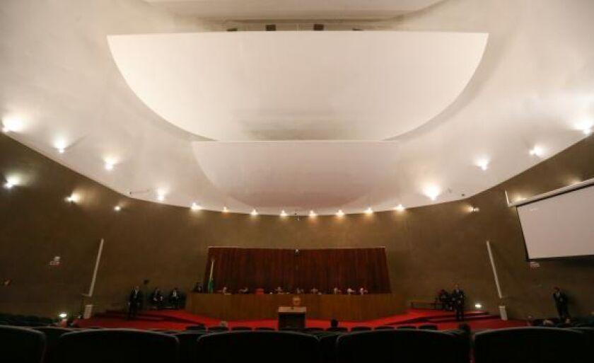Tribunal Superior Eleitoral julga a ação em que o PSDB pede a cassação da chapa Dilma-Temer