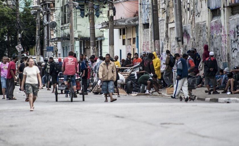 Usuários voltaram a se agrupar a menos de 500 metros do ponto original, no centro de São Paulo