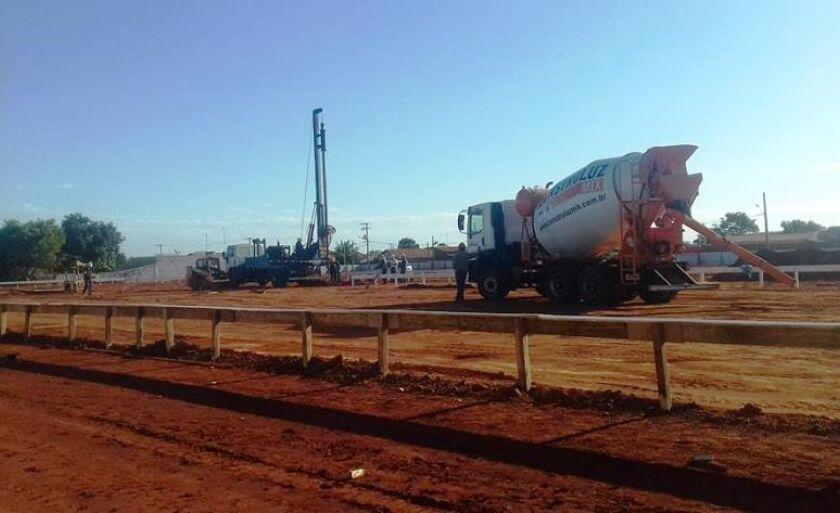 Serviço de terraplanagem da obra está em fase final de execução pela empresa Sial Construções Civis