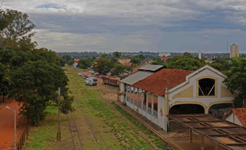 A estação Ferroviária de Três Lagoas foi inaugurada em 31 de dezembro de 1912 e foi uma das primeiras estações a serem finalizadas no então estado de Mato Grosso (antes da divisão).