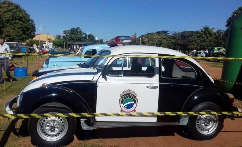 7º Encontro de Carros Antigos de Três Lagoas acontece na circular da Lagoa Maior