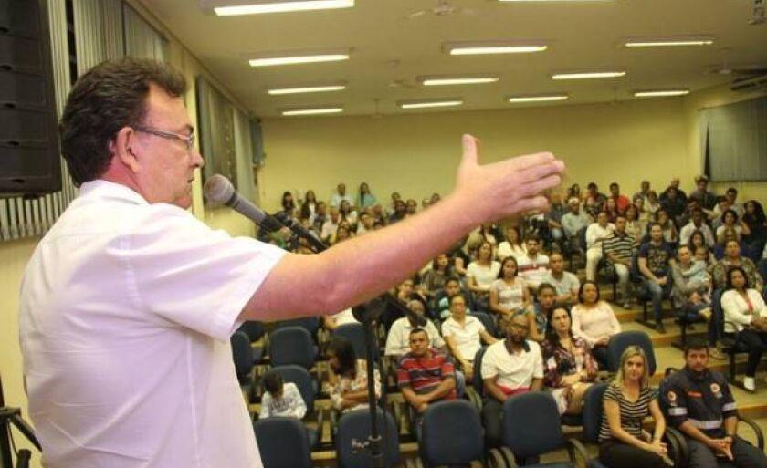 Administração vai se reunir com presidente do Sindicato dos Servidores para definir questão do reajuste