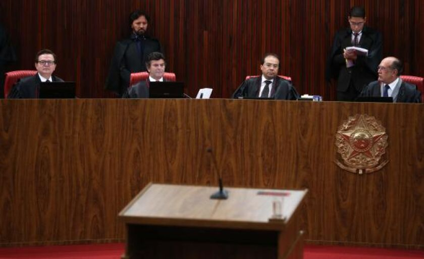 O TSE julga a ação em que o PSDB pede a cassação da chapa Dilma-Temer