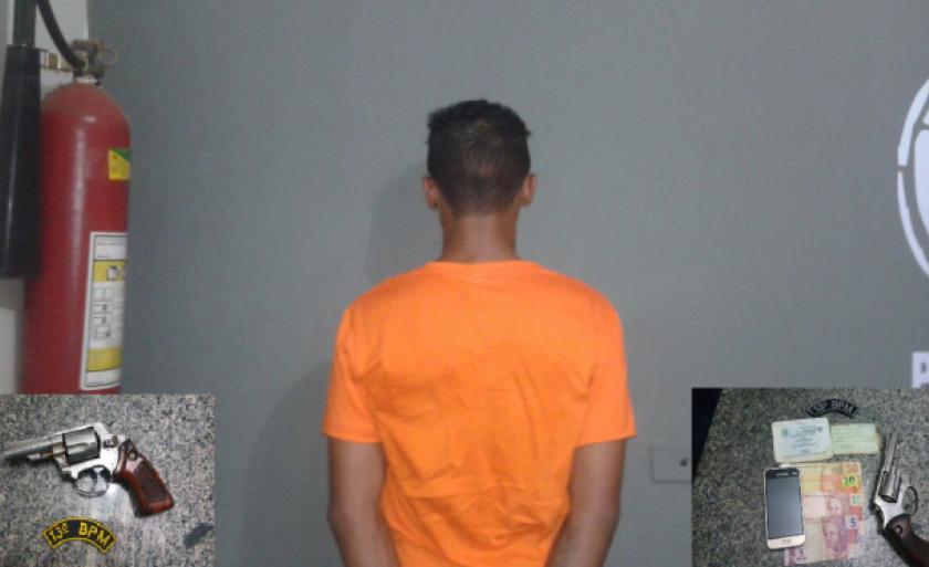 O adolescente de 16 anos foi apreendido e encaminhado com a arma à delegacia de Polícia Civil.