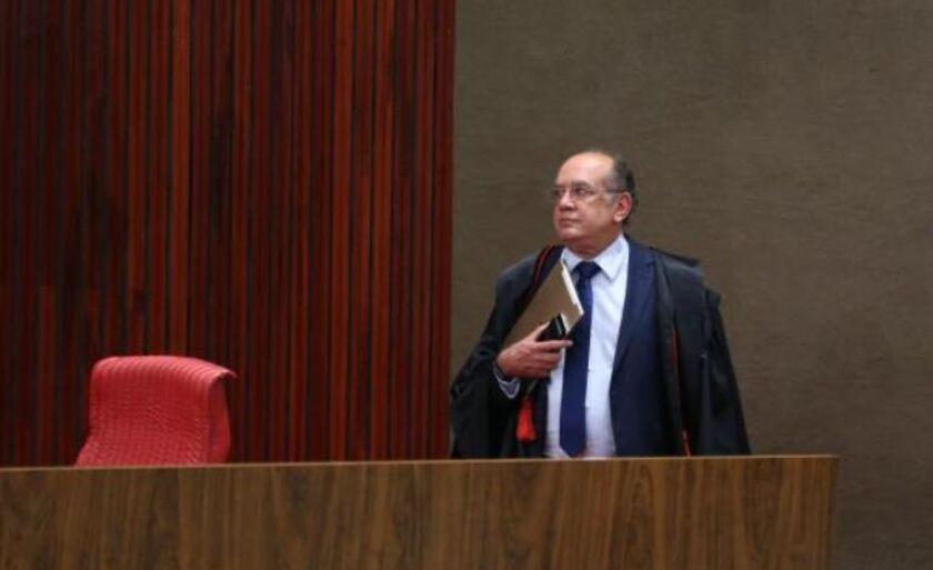 O presidente do TSE, ministro Gilmar Mendes, durante o quarto dia de julgamento da ação que pede a cassação da chapa Dilma-Temer