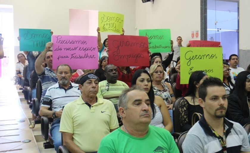 """Comerciantes do Shopping Popular comparecem na sessão desta terça-feira para """"impedir"""" votação de emenda"""