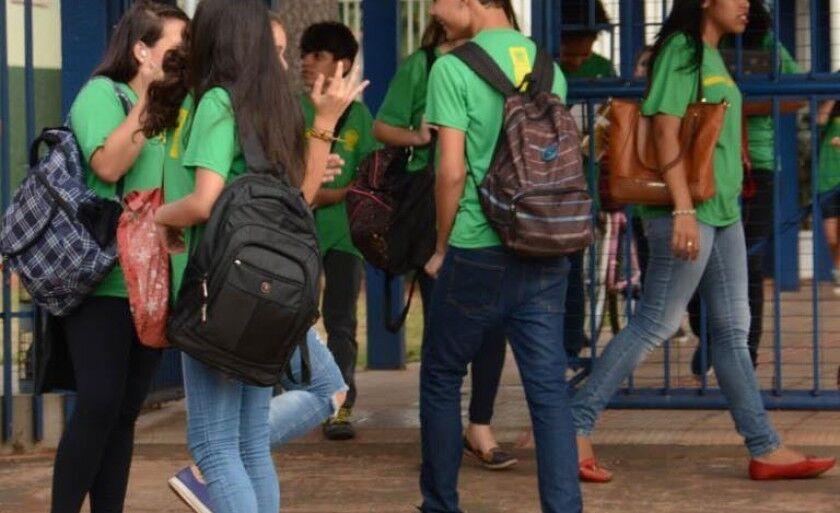 Início do ano letivo no segundo semestre pode ficar prejudicado, caso professores entrem em greve