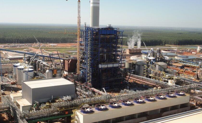 Empresa trabalha para colocar em operação a segunda linha de celulose em setembro