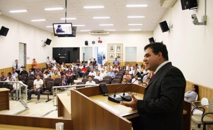 Milan ocupou o cargo de presidente da Câmara de vereadores