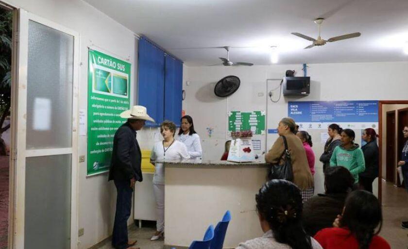 Prefeito Ângelo Guerreiro continua percorrendo unidades de saúde