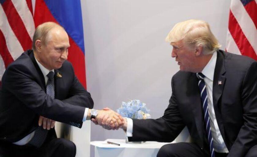 Putin e Trump trocam apertos de mão em Hamburgo
