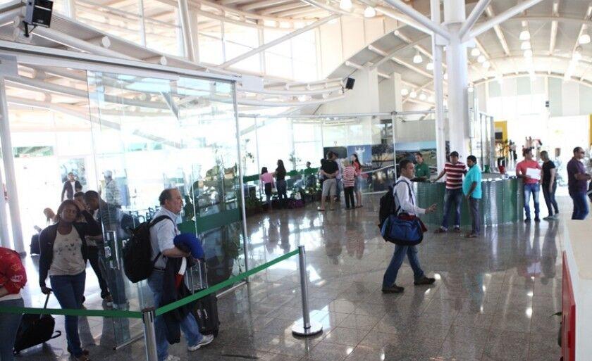 A partir do próximo mês, passageiros pagarão mais caro na taxa de embarque e desembarque