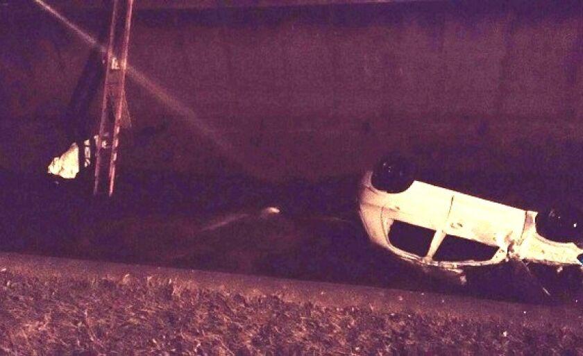 Corpo de Walter ficou próximo aos destroços do carro que adolescente dirigia