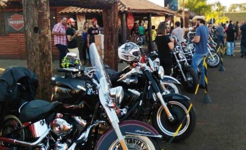 Mais de três mil pessoas prestigiaram encontro de motocicletas organizado pela Rede Feminina