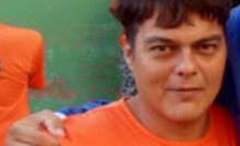 O corpo de Eddy Flabbyo foi localizado por volta das 11h do domingo (6) em uma mata nas proximidades da cidade, ele havia sido morto com requintes de crueldade