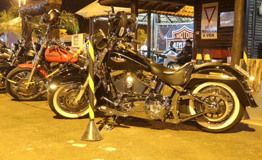 Cerca de 15 clubes de motociclistas de outras cidades estiveram presentes no evento