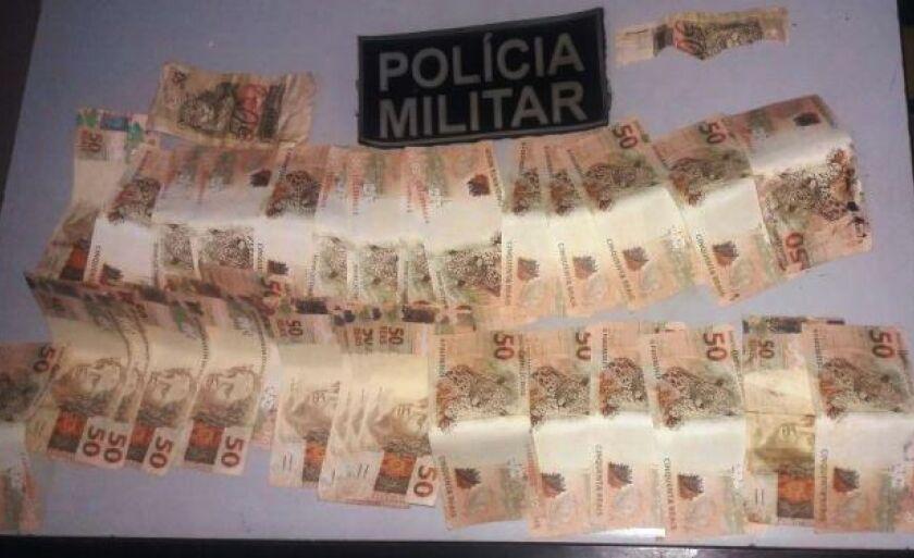 As notas apreendidas foram levadas a sede da Polícia Federal