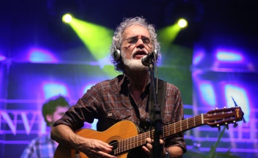 Além do cantor Renato Teixeira, festa terá shows com Tostão e Guarani e grupo de chamamé da Argentina