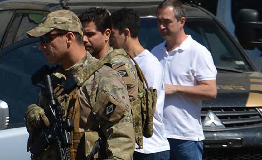 Empresários Joesley Batista e Ricardo Saud deixam a Superintendência da Polícia Federal em São Paulo com destino a Brasília