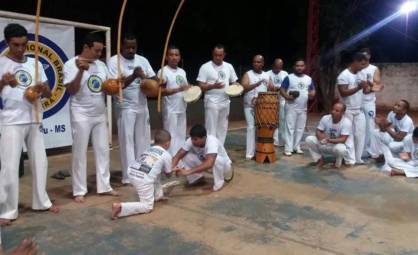 Durante dois dias, capoeiristas de várias regiões do país farão apresentações e cursos