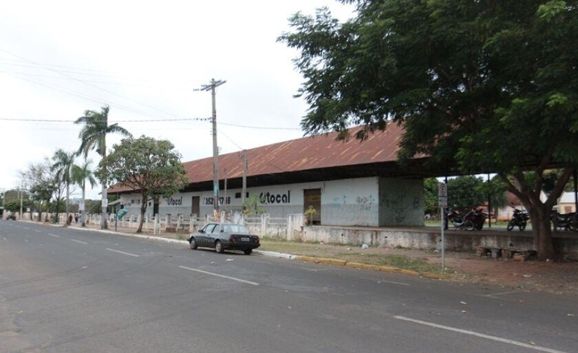 Ideia inicial seria instalar uma Ceasa no barracão da antiga Estação Ferroviária