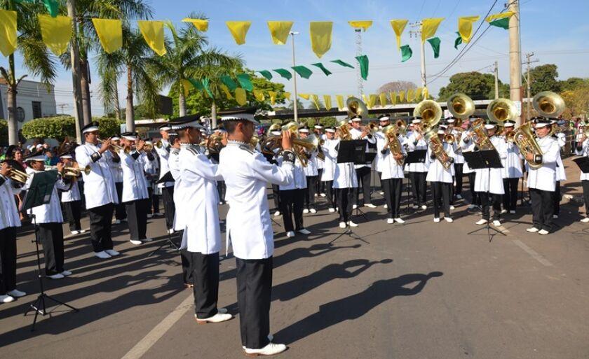 Hino Nacional foi executado pela Banda Marcial Cristo Redentor  de Três Lagoas