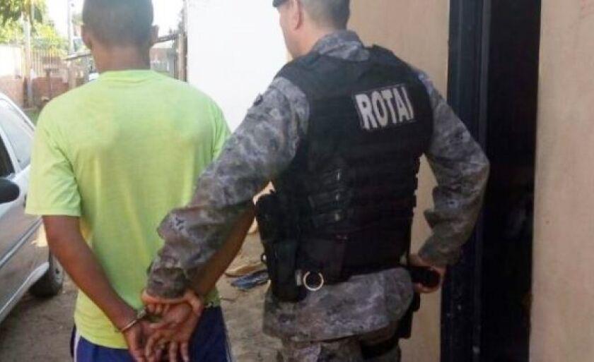 O homem foi levado pelos policiais da Rotai até a DEAM