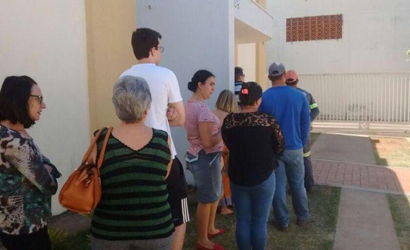 Clientes reclamam de fila na Central de Distribuição dos Correios