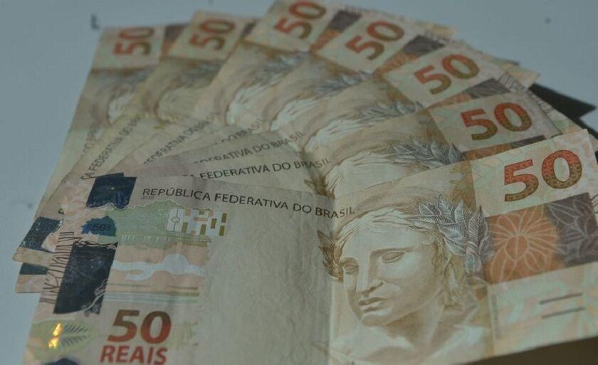 Delegado alerta que, além do falsificador, quem repassa o dinheiro falso também comete um crime