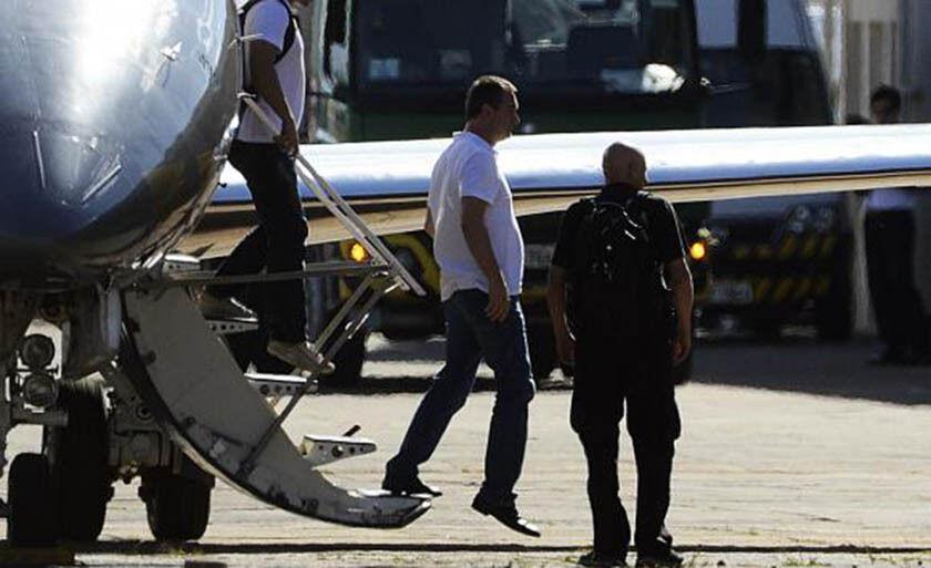 Joesley Batista desembarca no Hangar da Polícia Federal em Brasília