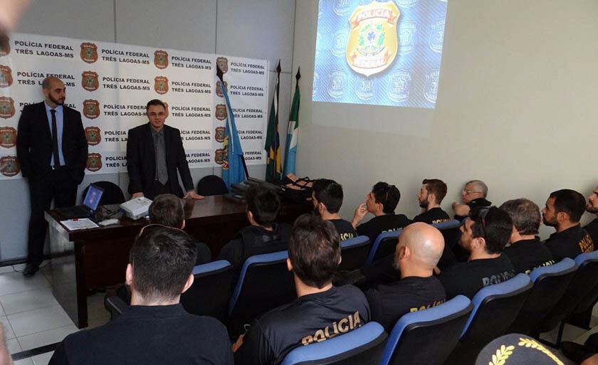 A ação investiga possível esquema criminoso de desvio de recursos públicos pelos servidores municipais
