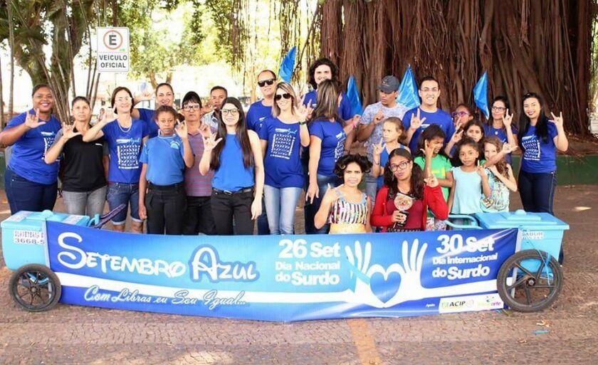 Radaí Felipe, promoveu uma campanha na Praça da República de Paranaíba (MS)