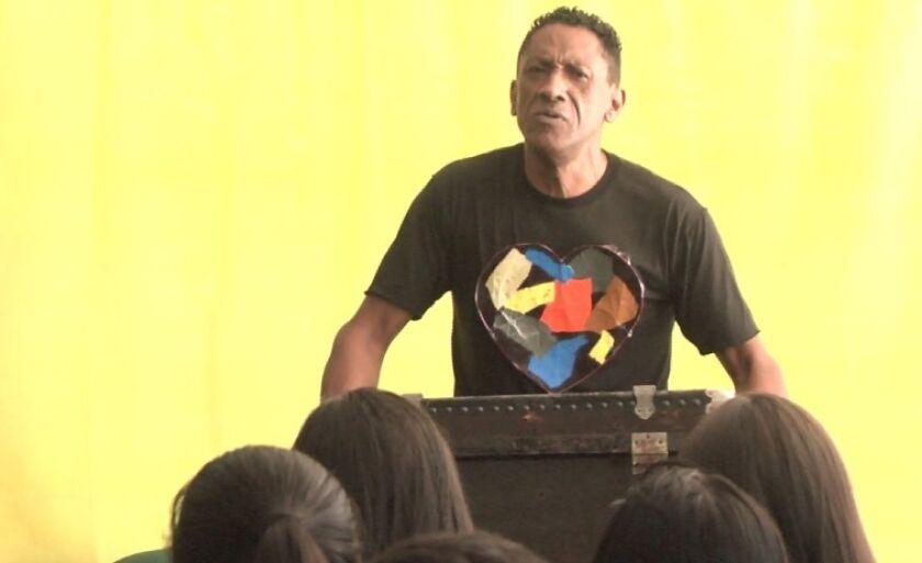 Monólogo foi apresentado pelo ator três-lagoense Mateus Alves